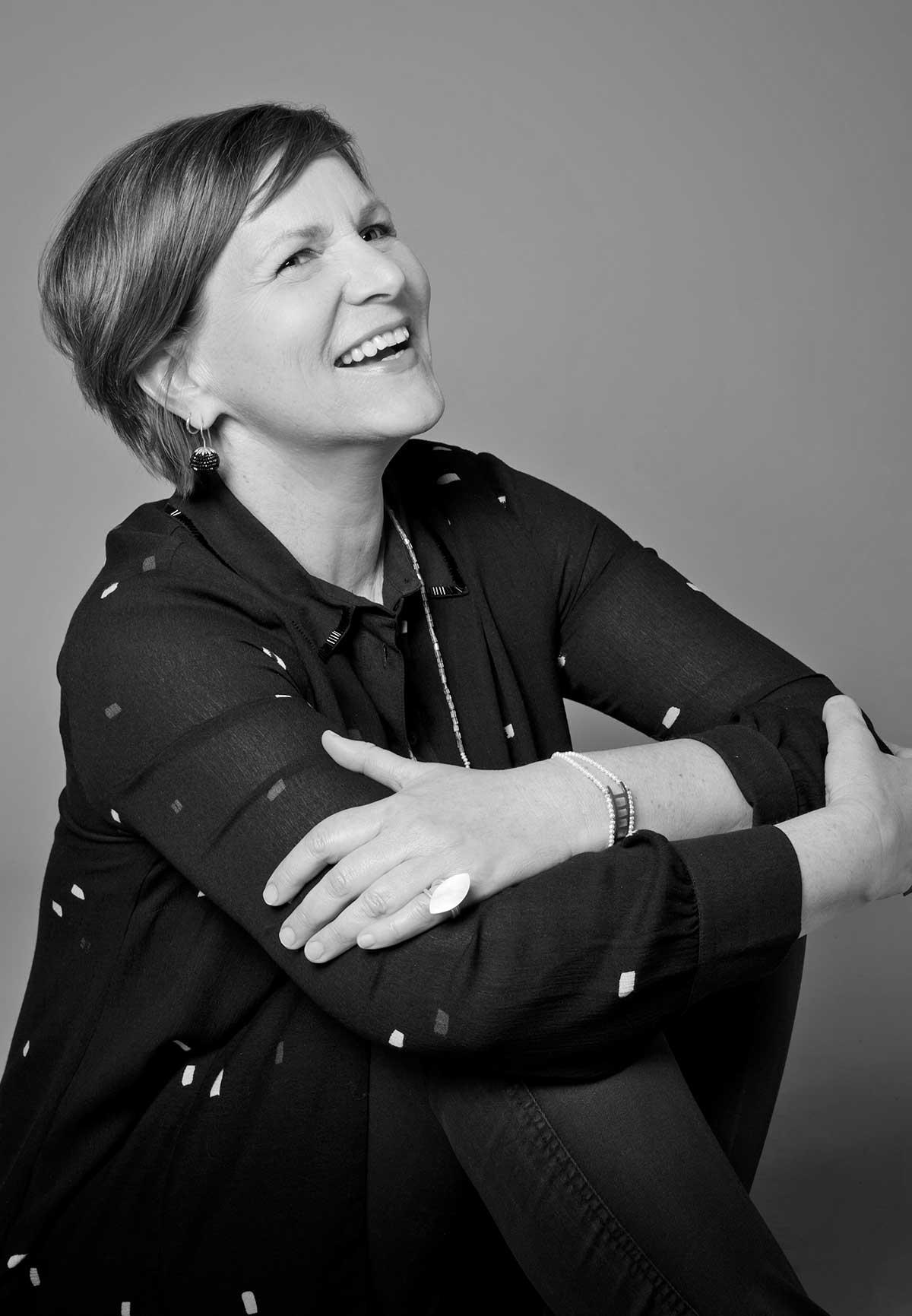 Carmen Christ - Grafik Designer - Schwarz Weiß Bild